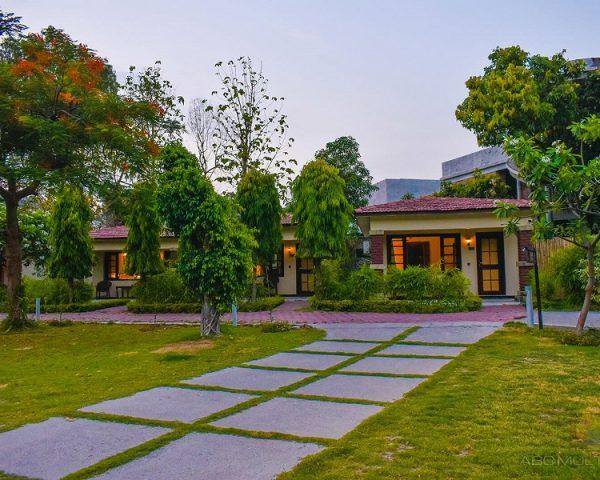 Manu Maharani Resort Rooms