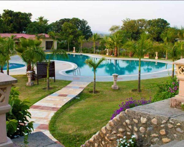 Nadiya Parao Swimming Pool