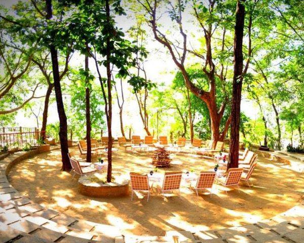 Tiger Den Resort Outer Sitting Area